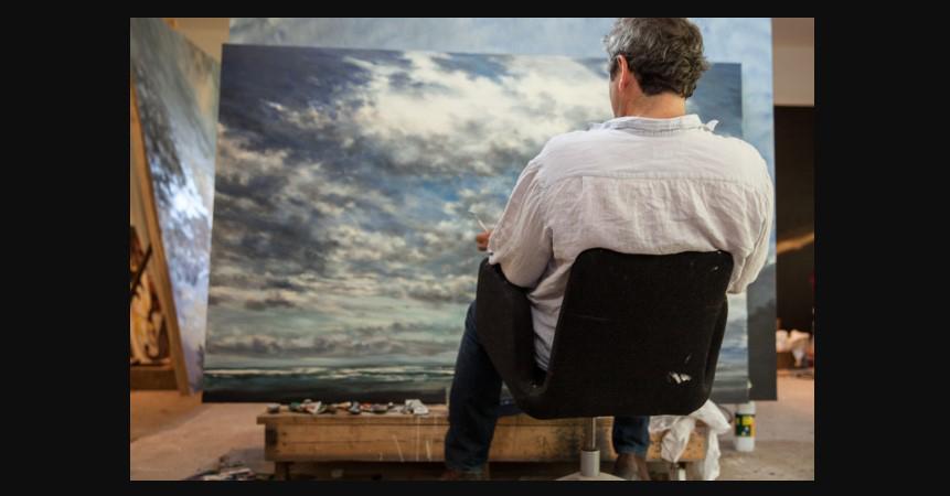 Dans l'atelier du « peintre des ciels »